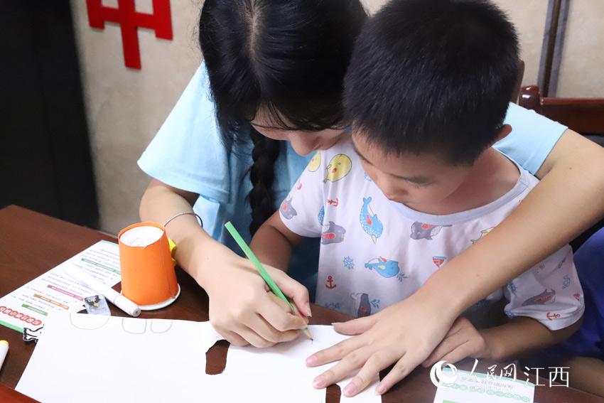 江西:开展暑期实践活动 大学生受益匪浅