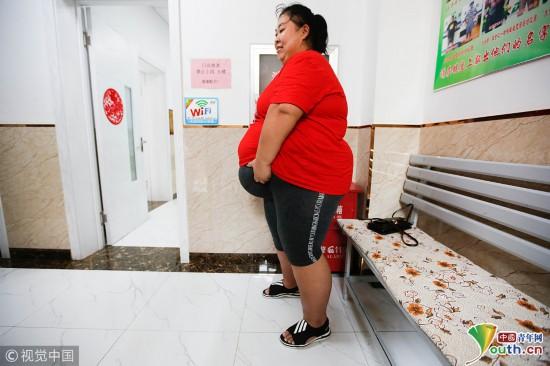 380斤胖妈分娩前写好遗嘱 为照顾儿子励志减肥