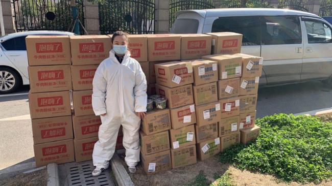 """武汉志愿者:街头战疫,作驰援一线的""""护航员"""""""