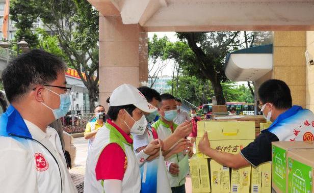 广州工青妇携手助力共抗疫情 全市志愿者累计上岗逾4.8万人次